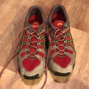 Men's ASICS trail attack WR size 9